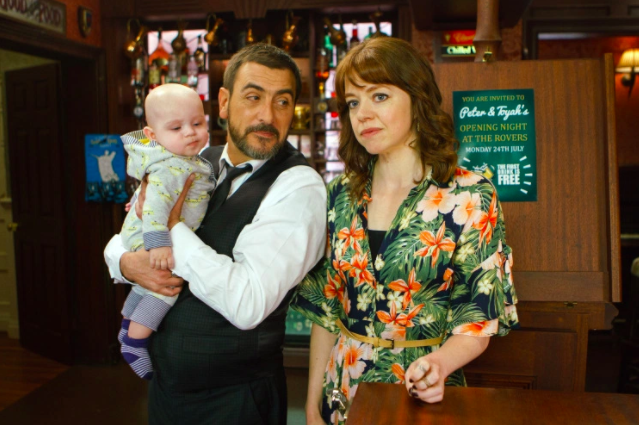 """Corrie star snaps back at fans who criticised her """"frumpy"""" wardrobe!"""