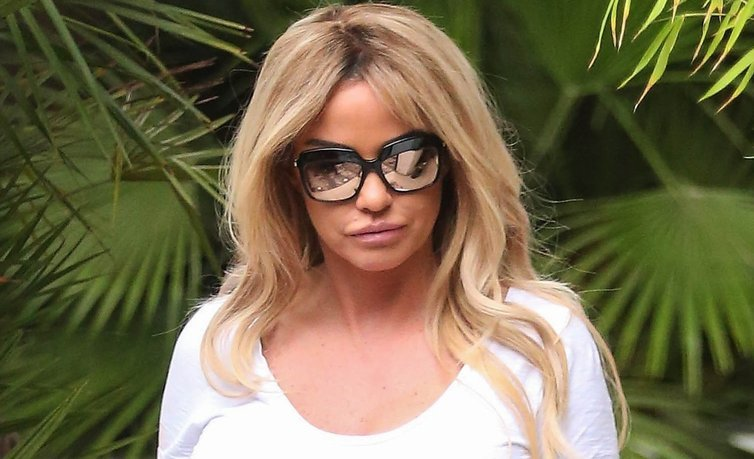 Katie Price splits opinion with glamorous new photo of daughter Princess