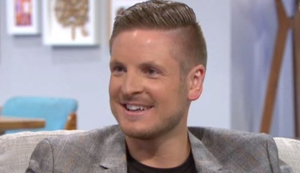 Viewers praise first ever openly gay referee as he shares powerful message on Lorraine