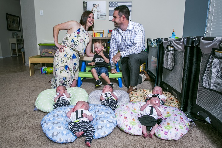 Hodges Half Dozen' To Replace 'OutDaughtered?' | Entertainment Daily