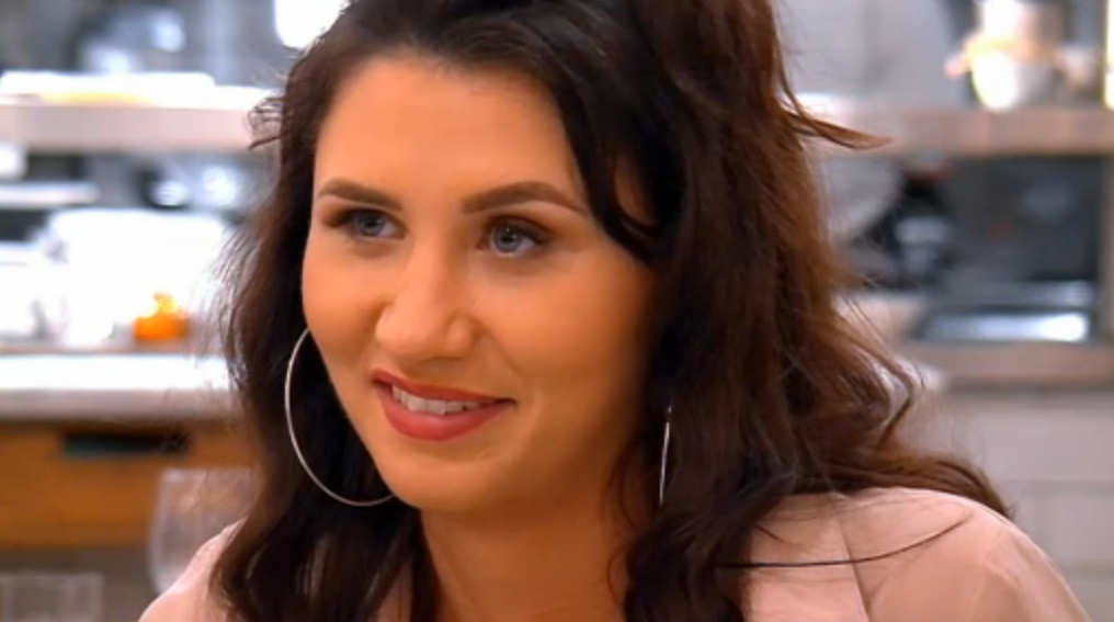 "First Dates viewers brand woman ""rude"" and a ""disgrace"" as she ditches date"