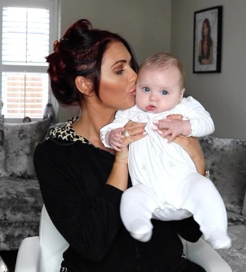 Instagram @amychilds1990