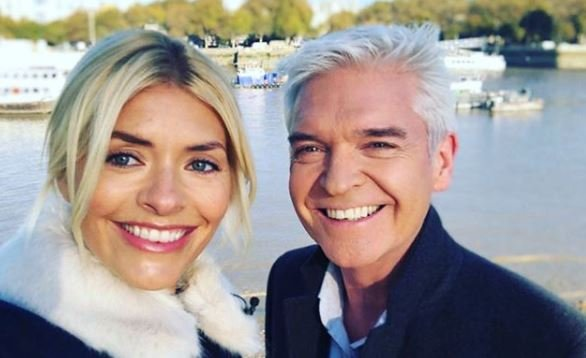 Holly Willoughby and Phillip Schofield share FIRST look at new Dancing On Ice