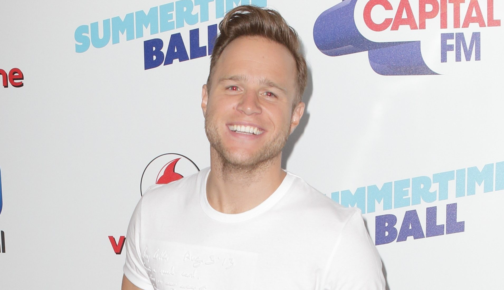 Olly Murs stuns fans posing with TV beauty in latest Instagram pic