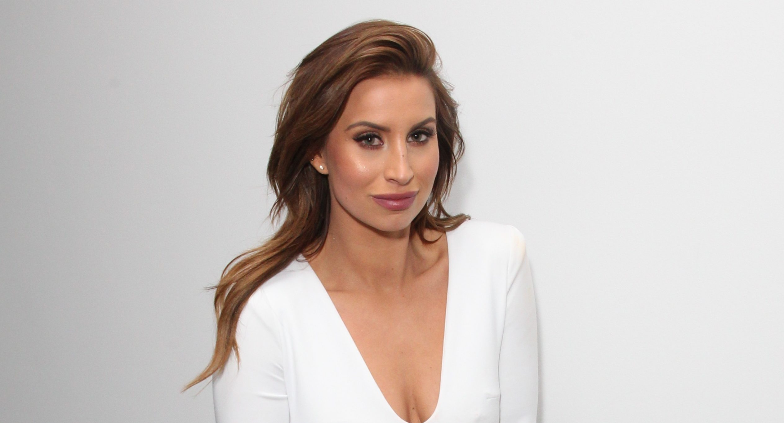 Ferne McCann shares first pic of daughter Sunday's little face on cover of glossy