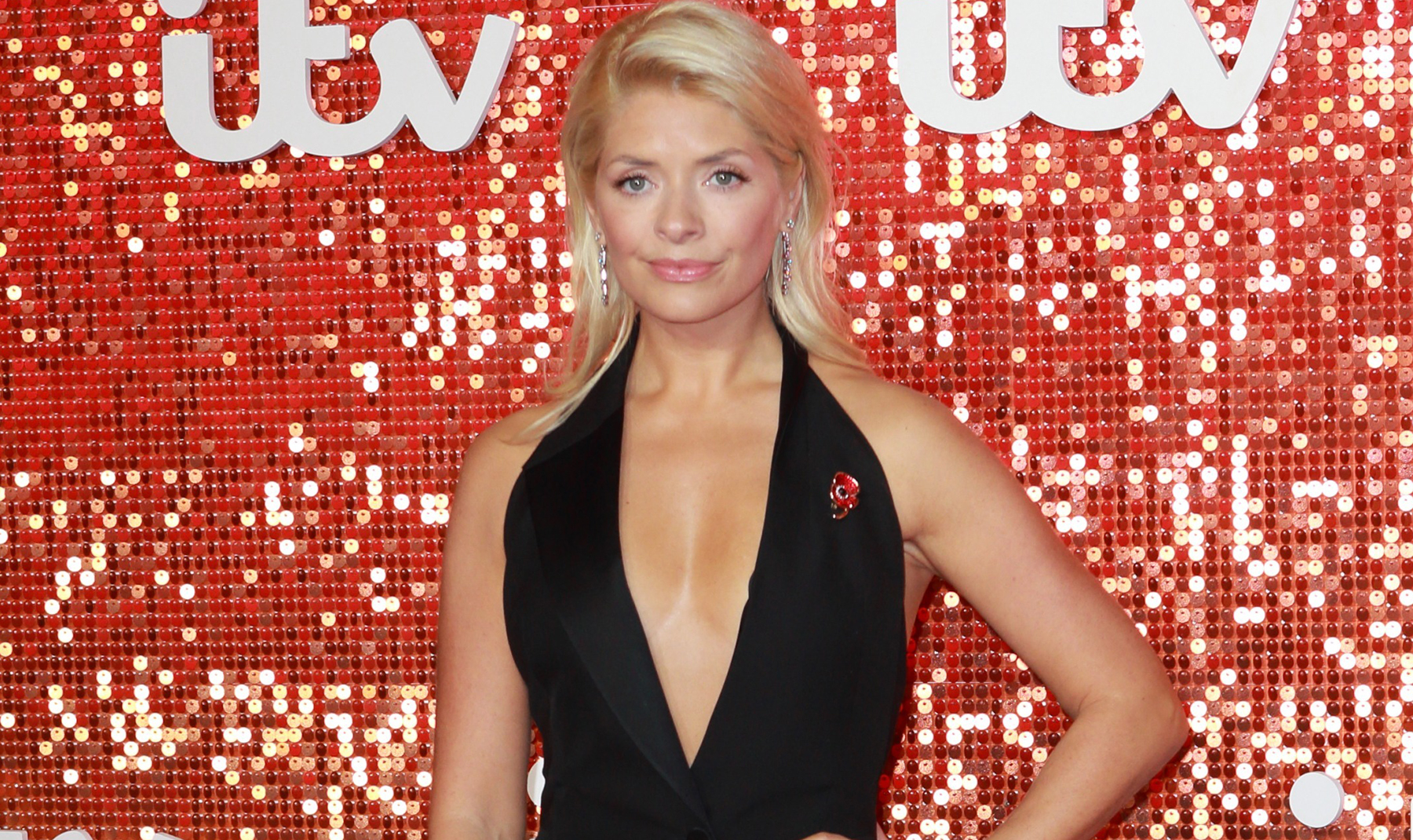 Holly Willoughby's pal finally reveals secret to fab new figure