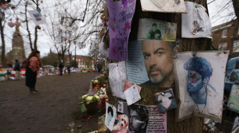 George Michael fans flocked to his homes to leave tributes on first anniversary