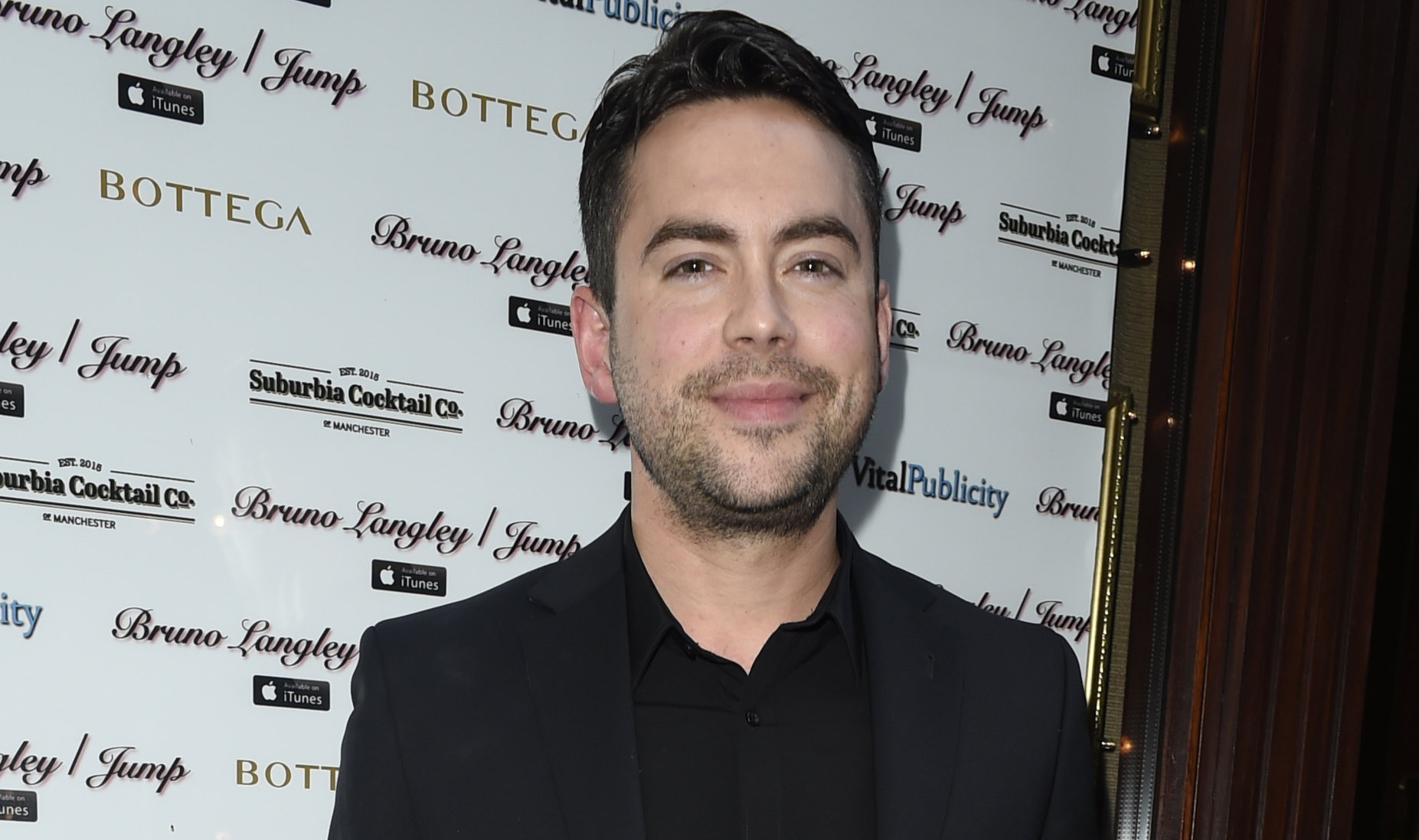 Corrie stars publicly give their support to shamed co-star Bruno Langley
