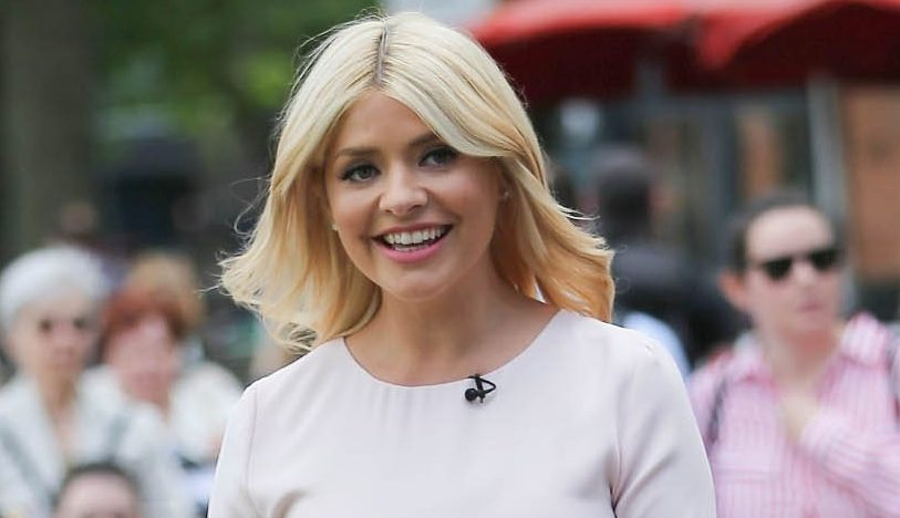 "Holly Willoughby gushes over her ""beautiful girls"" as she enjoys lunch with Emma Bunton and Nicole Appleton"