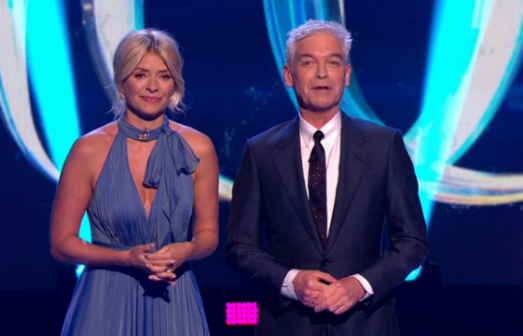 Holly Willoughby's hack to stay warm on Dancing On Ice revealed