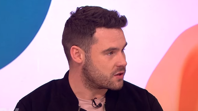 Emmerdale's Danny Miller explains THAT 'naughty' hand gesture to Keith Lemon!