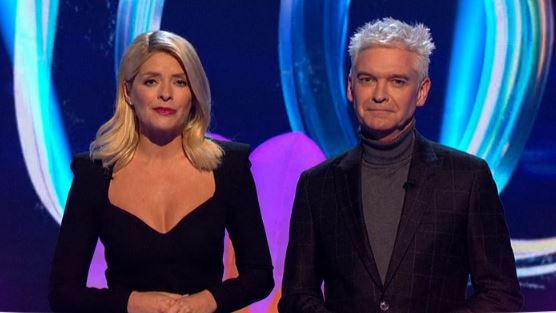 Dancing on Ice viewers can't cope with Holly Willoughby's daring new look
