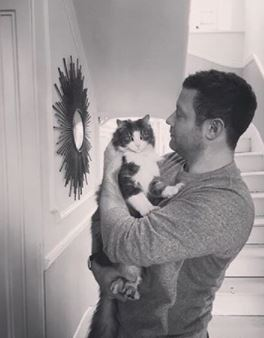 Instagram @radioleary