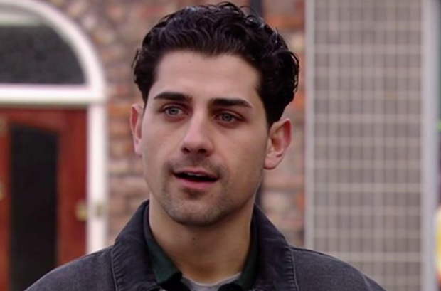 Coronation Street's Ryan Clayton reveals Weatherfield return with picture outside the Rovers