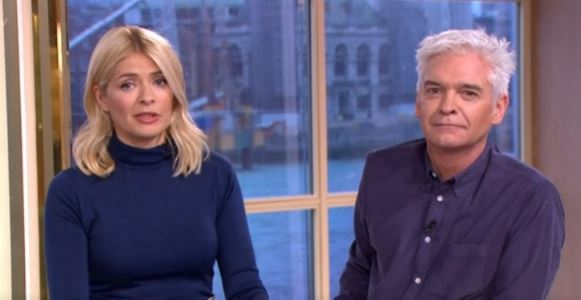 Holly Willoughby finally gives fans what they want by swapping designer wardrobe for £32 skirt