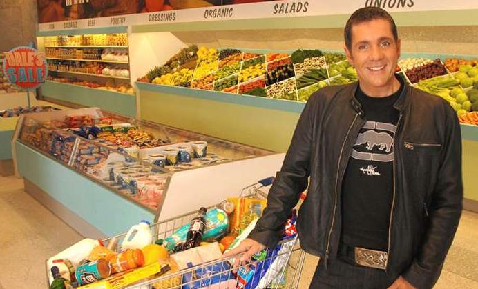 Dale Winton Supermarket Sweep (Credit: ITV)