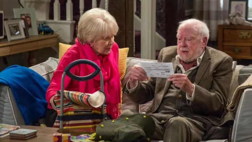 Veteran British actor Freddie Jones has died aged 91