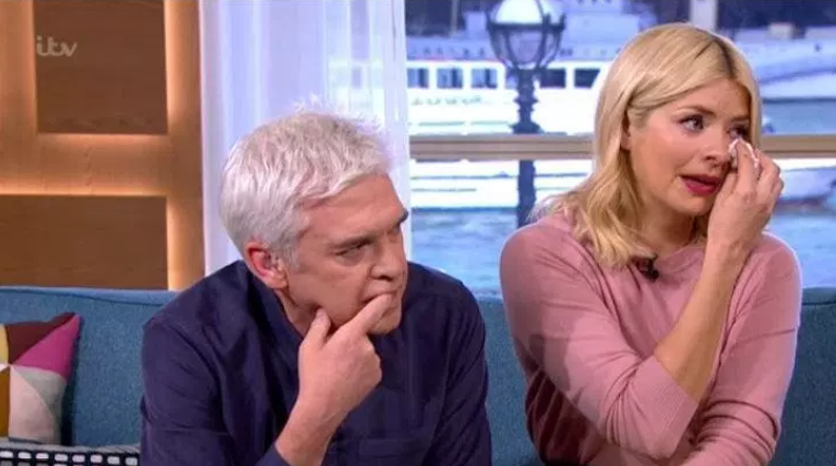 Holly Willoughby and Phillip Schofield break down as Simon Thomas opens up about wife's death