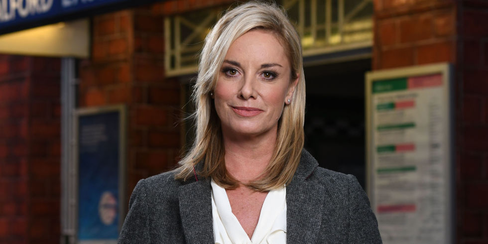 EastEnders fans pay tribute to 'iconic' Mel Owen after she dies in horrific accident