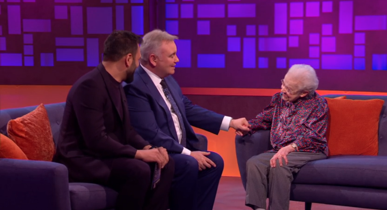 Eamonn Holmes helps 92-year-old scam victim get £7,500 back thanks to secret millionaire