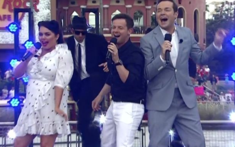 Saturday Night Takeaway's Stephen Mulhern in VERY RUDE sign blunder during live show