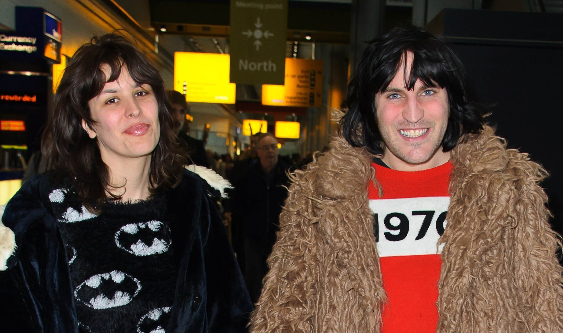 Bake Off's Noel Fielding pictured with his newborn for first time!