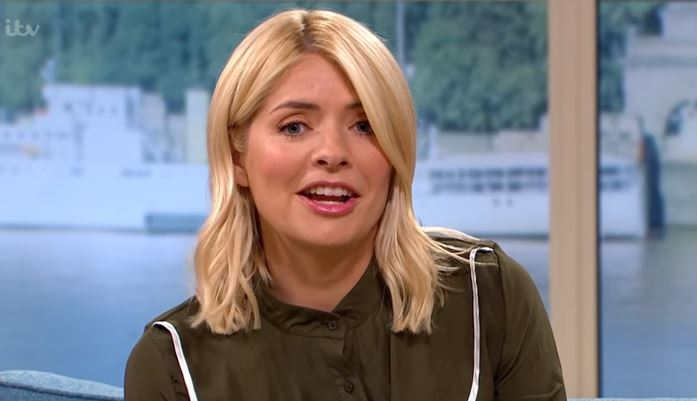 Holly Willoughby's fans point out error in latest pic