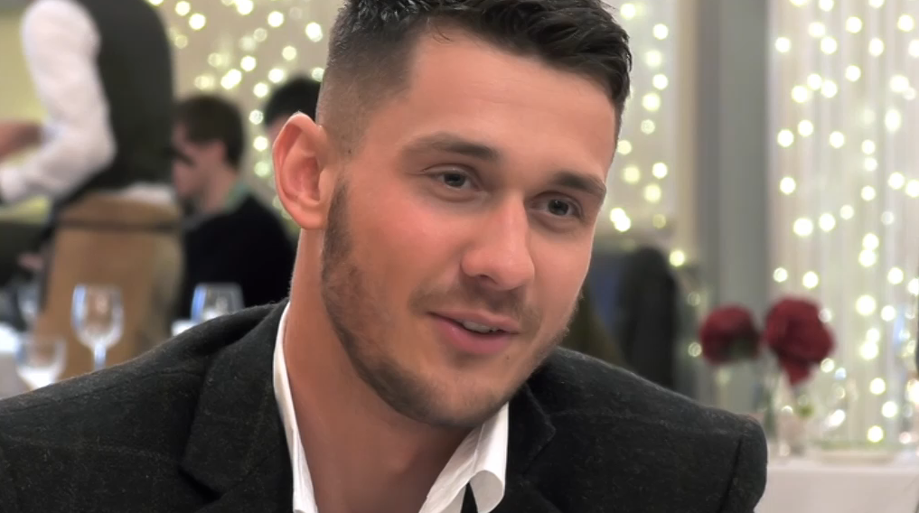 "First Dates fans slam diner who rejected ""stunner"" for her looks"