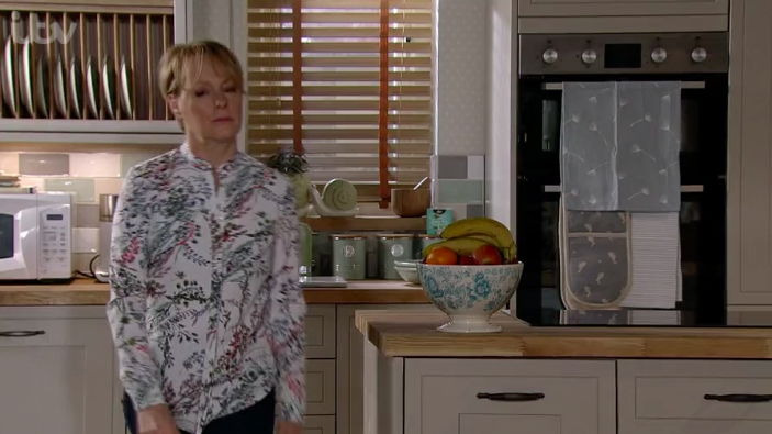 Coronation Street Fans Thrilled As Sally Metcalfe Finally Decorates Her House After 11 Years Entertainment Daily