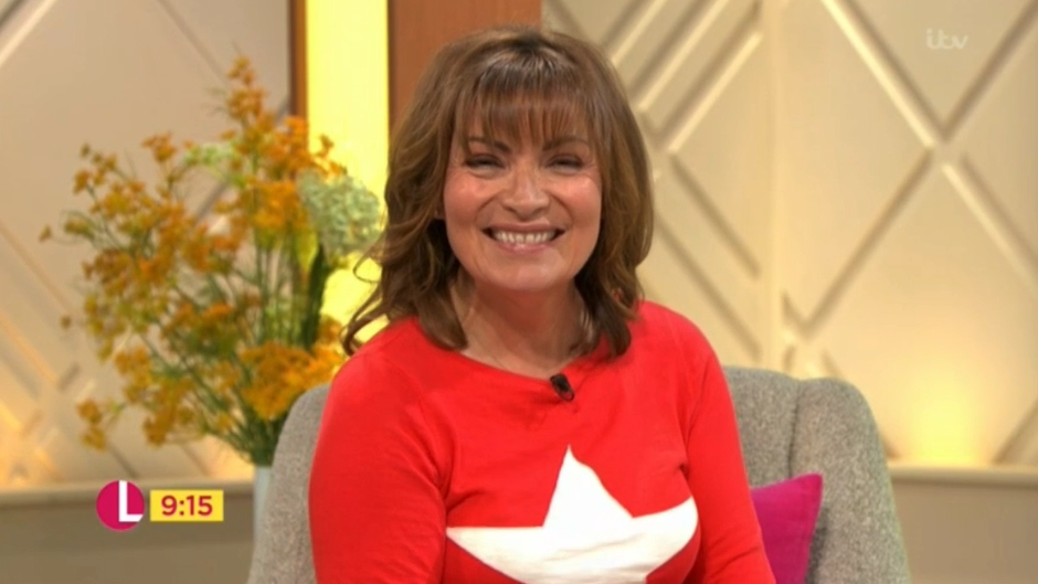 Lorraine Kelly left blushing and giggly as Jeff Goldblum serenades her