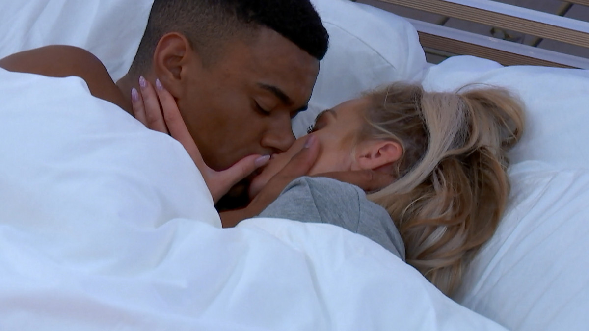 Love Island Wes Nelson and Laura Anderson kiss