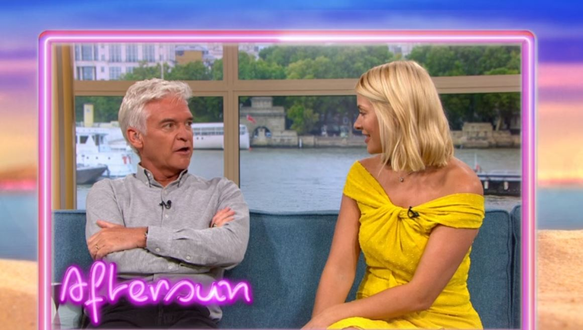 Holly Willoughby begs to appear on Love Island during chat on This Morning