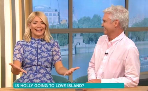 Holly Willoughby and Phillip Schofield talk about Love Island on This Morning