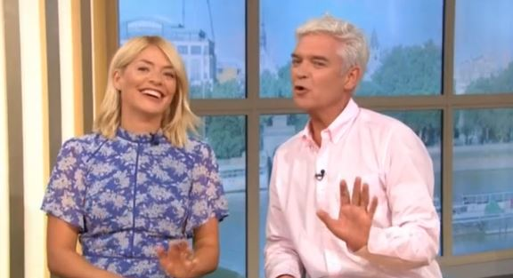 Holly Willoughby begs Caroline Flack for Love Island cameo
