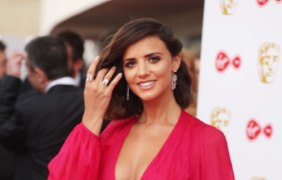 Lucy Mecklenburgh shares sweet snap with Ryan Thomas