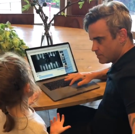 Robbie Williams with his daughter Teddy (Credit: Instagram)
