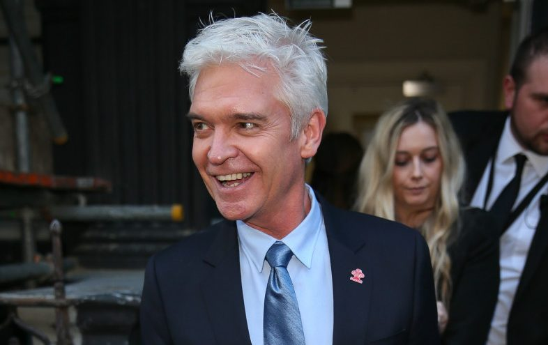 Phillip Schofield channels his inner Henry VIII in fun new pic