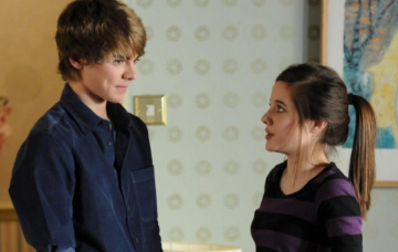 Peter Beale and Lauren Branning on EastEnders (Credit: BBC)