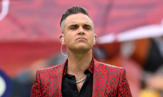 Robbie Williams think he has Asperger's