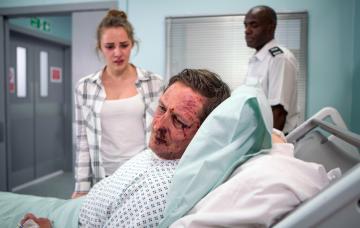 Kayla Clifton visits dad Neil Clifton in hospital Coronation Street