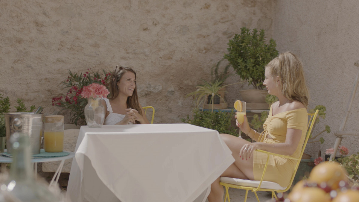 Love Island's Dani and Ellie sent out of the villa for drinks