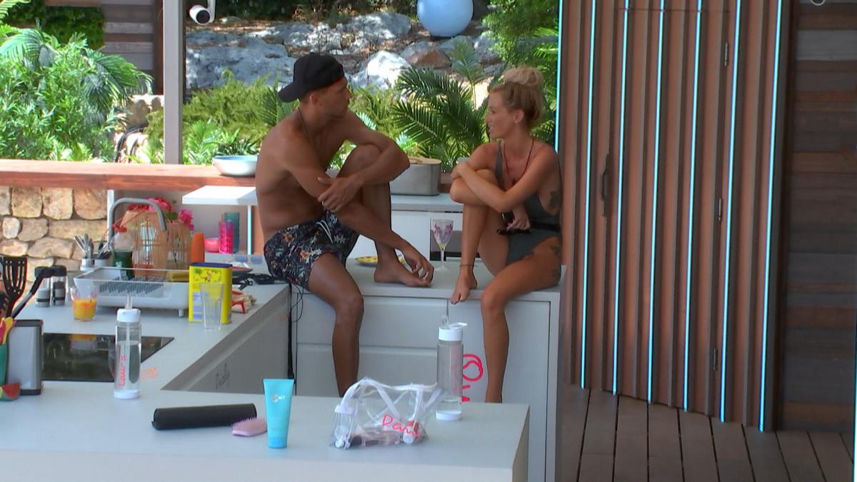 Love Island's Jack talks to Laura