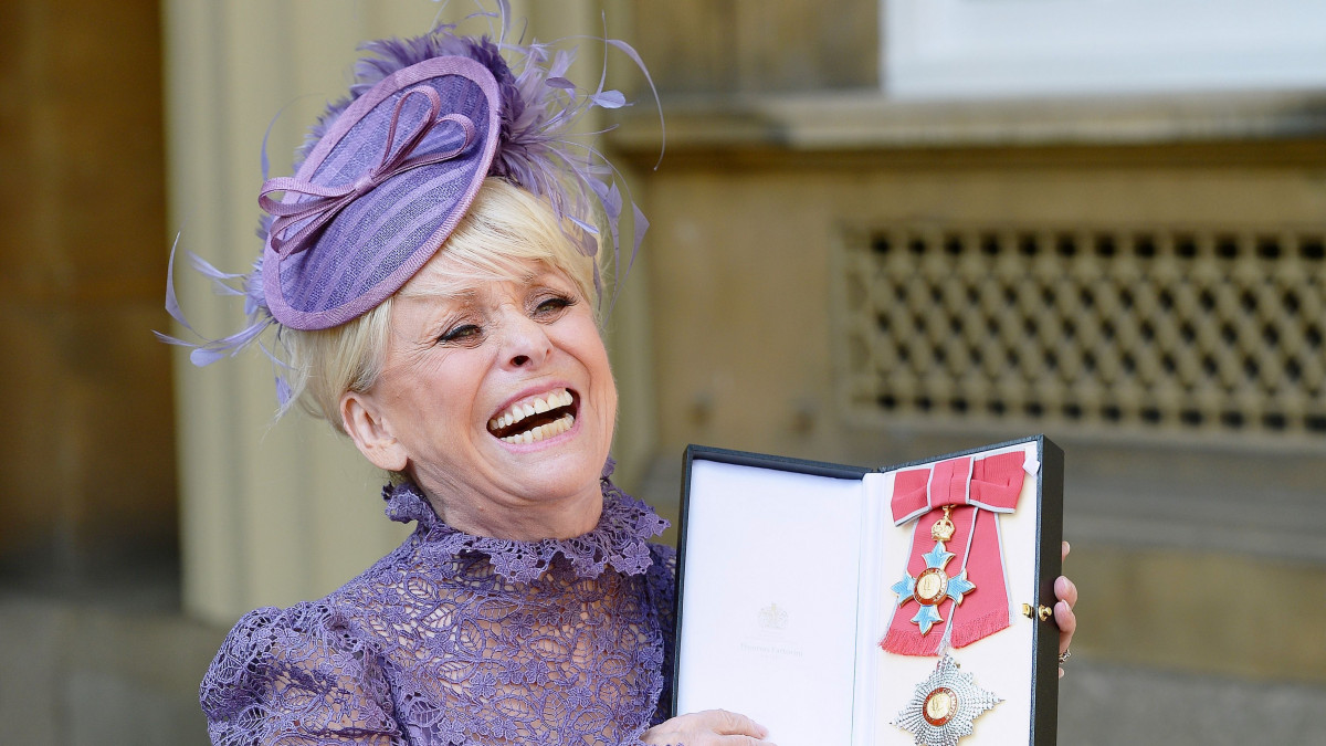 Dame Barbara Windsor to host new documentary after Alzheimer's diagnosis