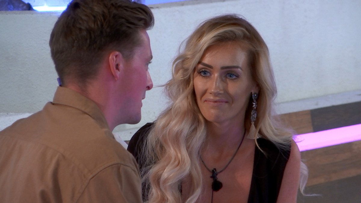 Love Island's Alex talks to Laura about Jack and Grace