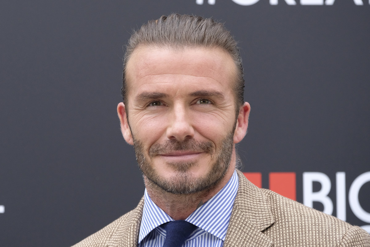 David Beckham gives daughter Harper a haircut in beautiful photo