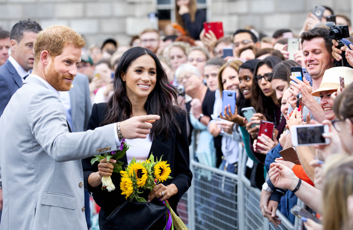 Meghan Markle gives fashion tips during royal visit to Smart Works
