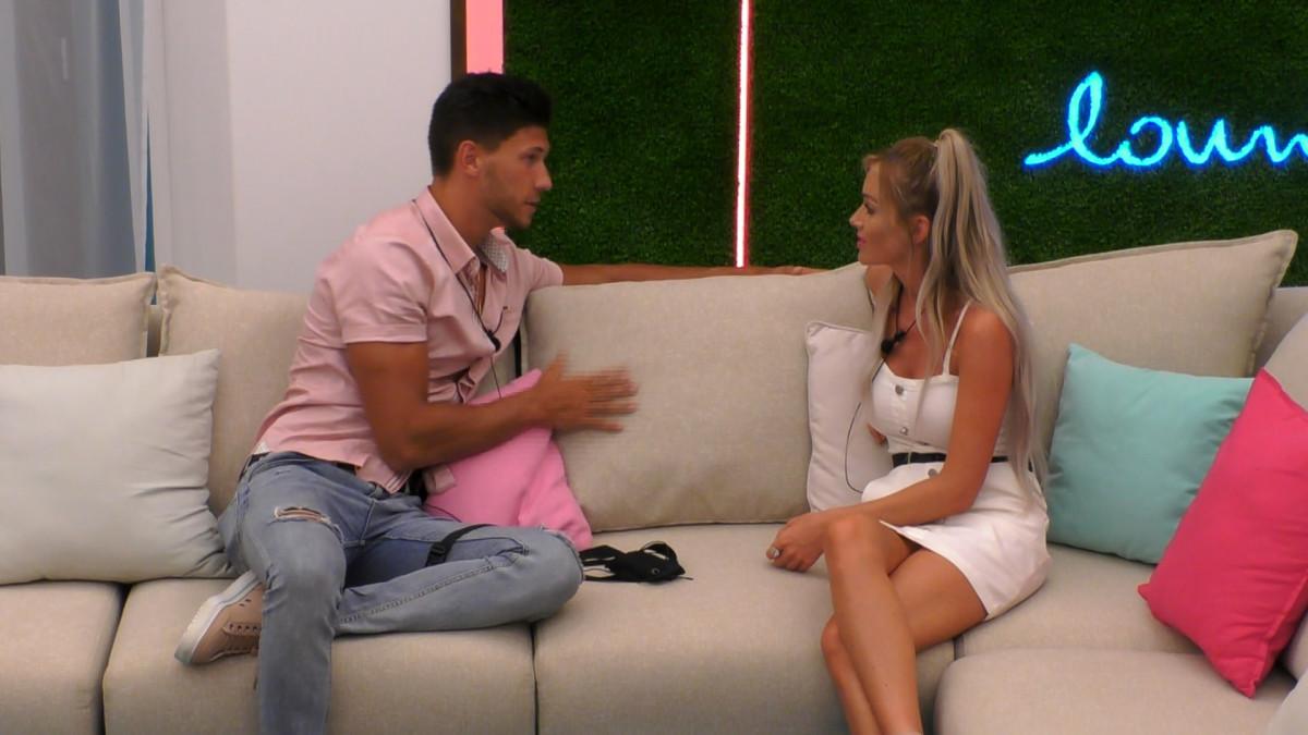 Love Island's Laura talks to Jack