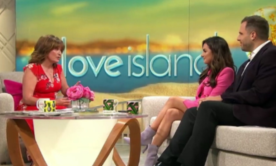 Lorraine Kelly sticks the knife into Love Island