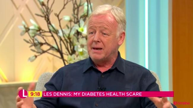 "Les Dennis confesses ""I've lost 20 pounds"" after health scare"