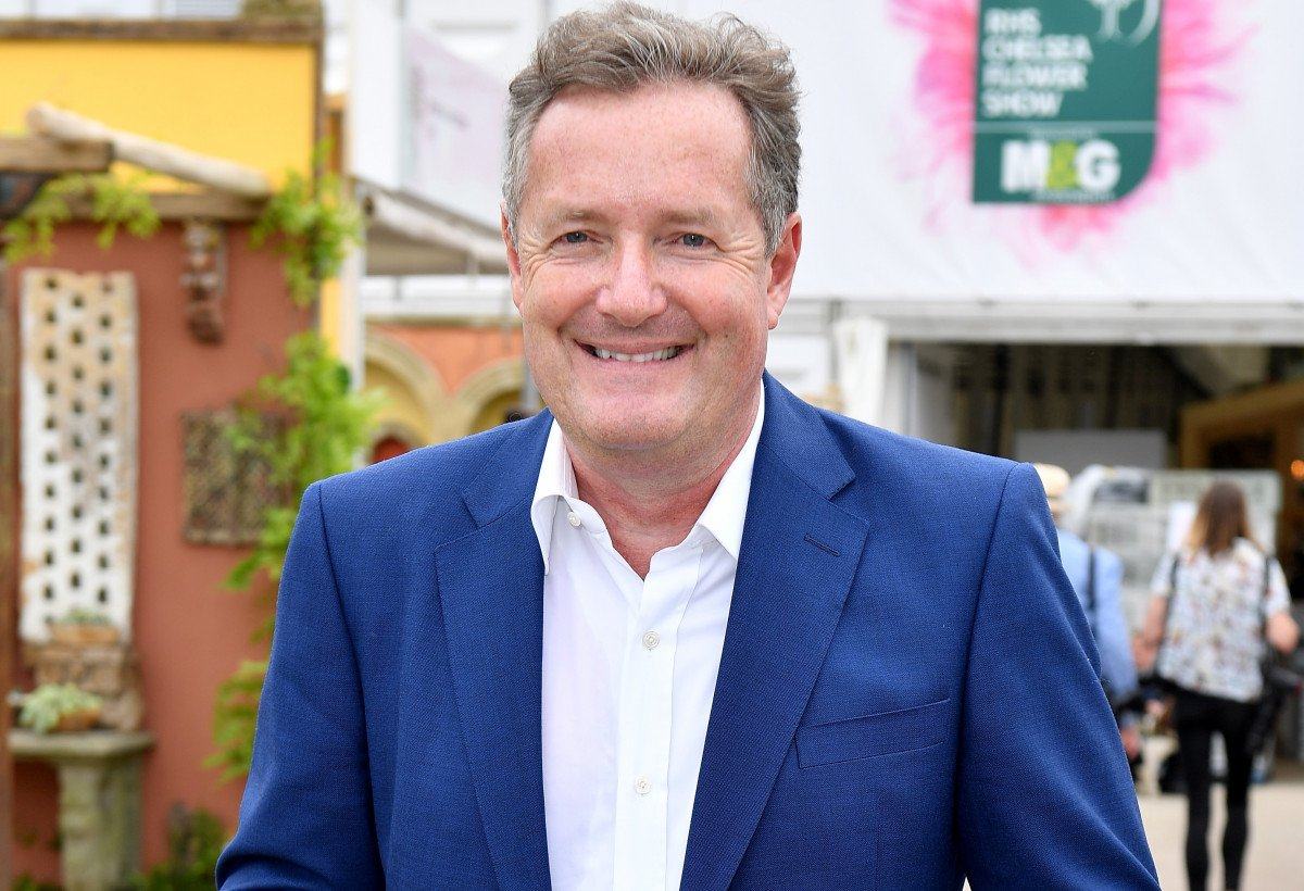 Piers Morgan enjoys beach day with daughter Elise in sweet snap